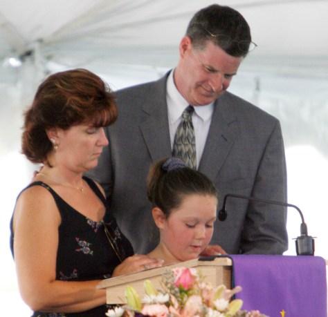 Image: Bennett's funeral