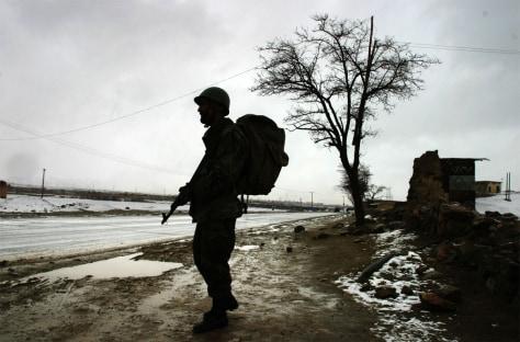 IMAGE: AFGHAN SOLDIER PATROLS