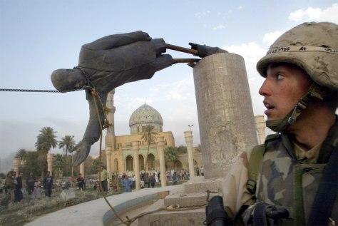 Toppling Saddam's statue