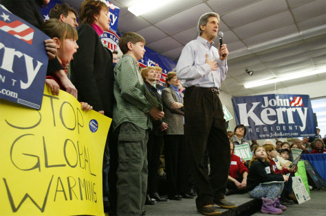 Kerry Campaigns In New Hampshire