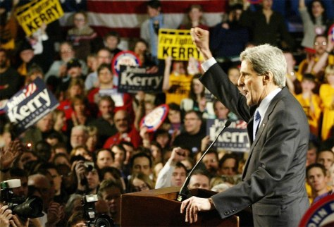 DEMOCRATIC PRESIDENTIAL CANDIDATE JOHN KERRY ADDRESSES SUPPORTERS AT VICTORY RALLY
