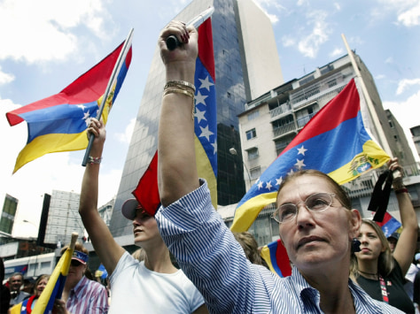VENEZUELAN OPPOSITION PROTESTERS KEEP SILENCE IN HONOR OF VICTIMS VIOLENCE IN CARACAS
