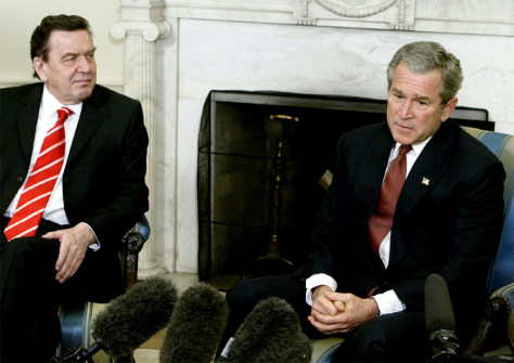 US PRESIDENT BUSH AND GERMAN CHANCELLOR SCHROEDER AT THE OVAL OFFICE IN WASHINGTON