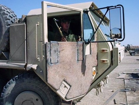 elefant attack vehicles