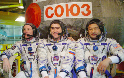 Image: Expedition 10 crew