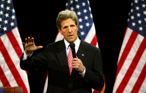 John Kerry Campaigns In Arkansas
