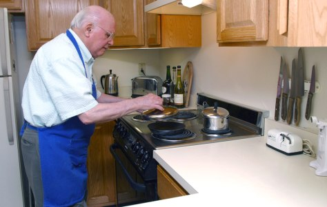 Elderly Men Learn To Cook For Their Health Health