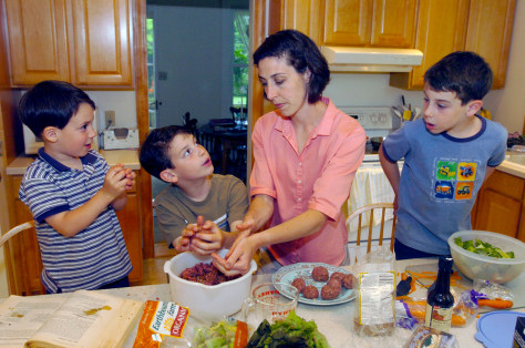 Image: Fletcher family preparing organic food