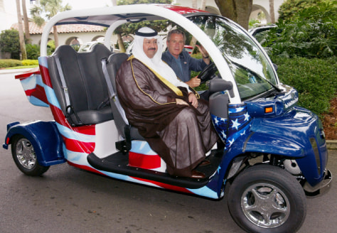 BUSH DRIVES IRAQI PRESIDENT IN ELECTRIC VEHICLE
