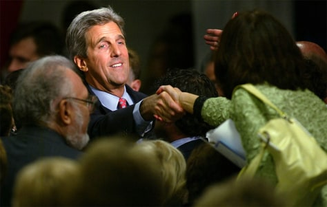 Senator Kerry Attends Victory 2004 Reception