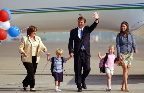 IMAGE: Sen. John Edwards arrives in Pittsburgh with his family.