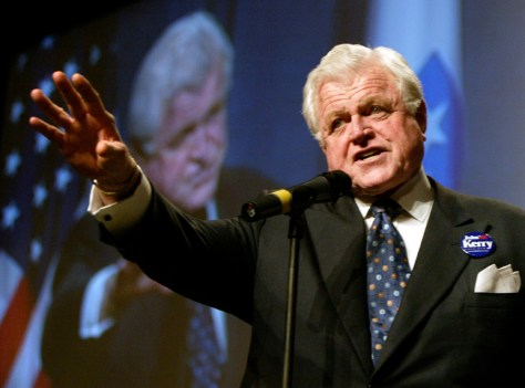 SENATOR TED KENNEDY INTRODUCES SENATOR JOHN KERRY AT BOSTON FUNDRAISER