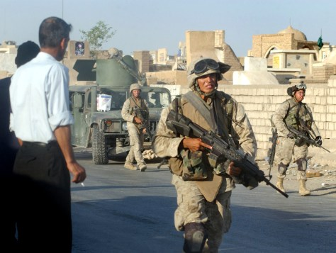 US Marines move to positions near Najaf cemetary