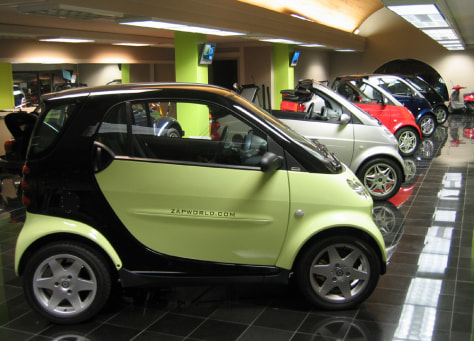SHOWROOM WITH SMART CARS