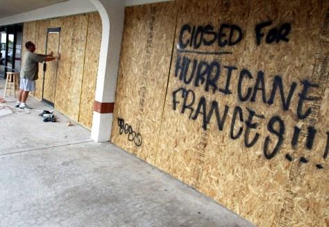 Floridia Prepares For Hurricane Frances