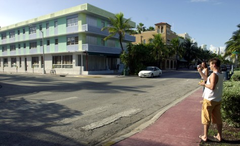 DESERTED MIAMI BEACH STREET