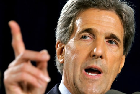 Kerry Campaign Continues Through Swing States