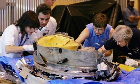 Examining the capsule