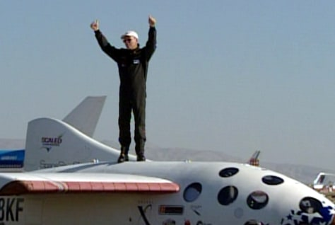 Melvill stands atop SpaceShipOne