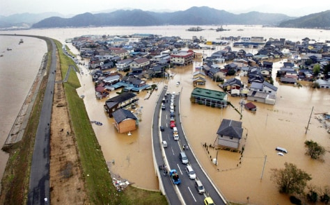 Image: Japanese city flooded by Typhoon Tokage.