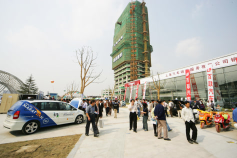 GM'S HYDROGEN CAR IN SHANGHAI