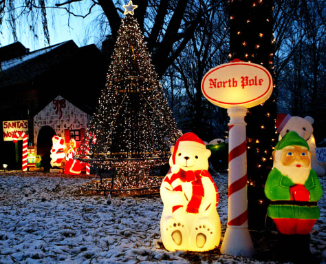 IMAGE: CHRISTMAS ENTHUSIAST GREG PARCELL'S YARD