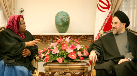 PHOTO: Iranian President Khatami meets with South African Foreign Minister Zuma in Tehran