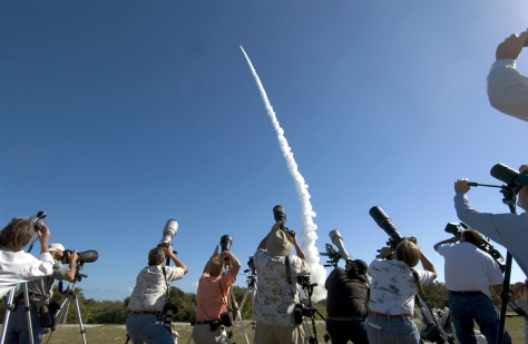 Image: Deep Impact launch
