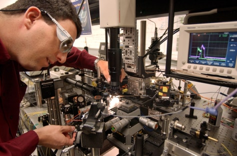 Intel researcher works on silicon laser