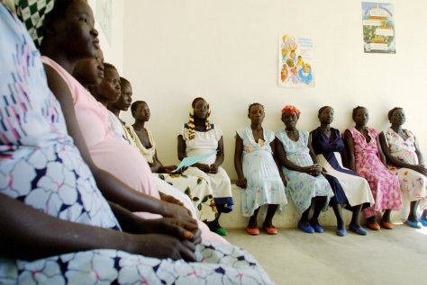 Sudanese refugees wait for prenatal care
