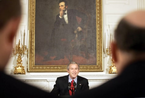 IMAGE: BUSH ADDRESSES GOVERNORS