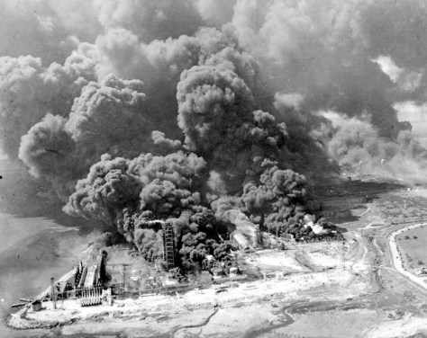 Image: 1947 Texas City oil fire.