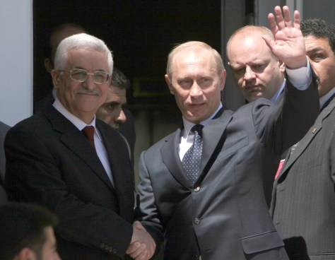 Image: Russian President Vladimir Putin, right, with Palestinian Authority President Mahmoud Abbas.