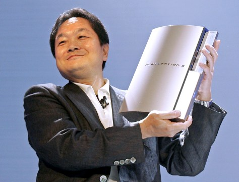 Image: Sony exec holds PS3 prototype