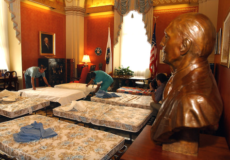 BEDS in CAPITOL