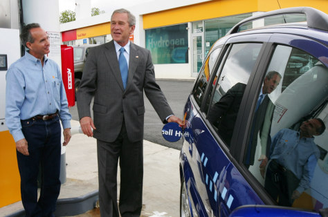 IMAGE: BUSH WITH FUEL CELL MINIVAN