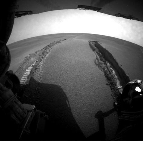 Image: Rover tracks