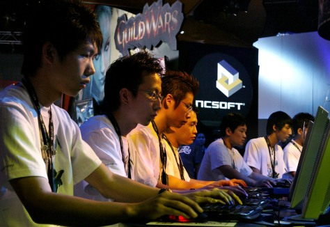 Video game teams play 'Guild Wars'