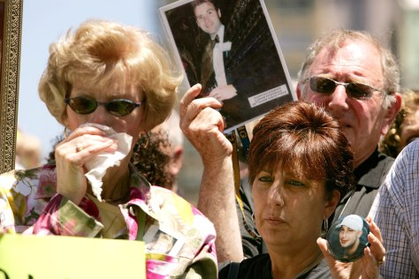Image: 9/11 families protest Ground Zero museum plans.