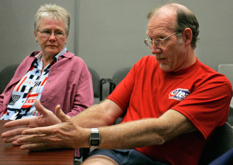 Image: Teachers discuss evolution
