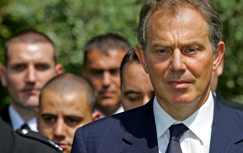 Britain's Prime minister Tony Blair (C)