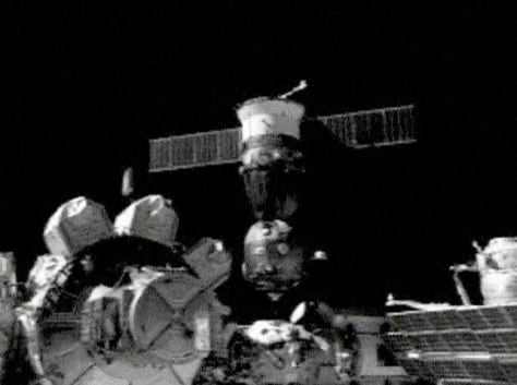 Soyuz nears docking port