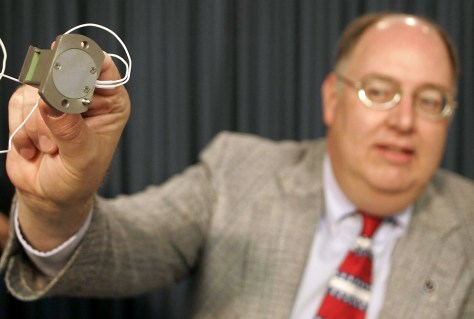 Image: Wayne Hale displays shuttle fuel gauge