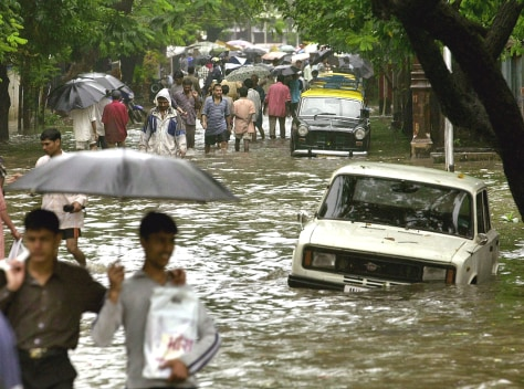 Image: Flooded street in Bombay