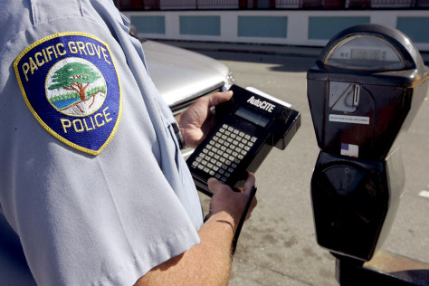 Pacific Grove police demonstrate parking meter technology