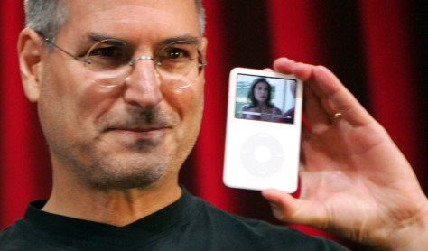 Jobs shows off video iPod