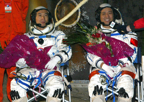 Image: Chinese astronauts