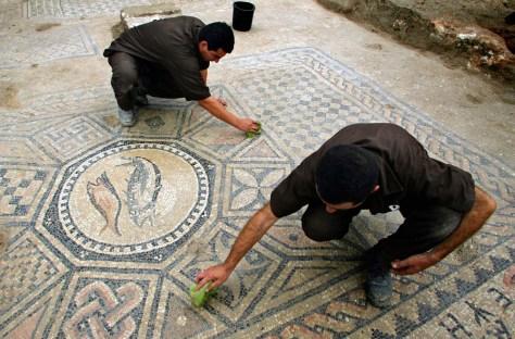 Image: Christian mosaic floor