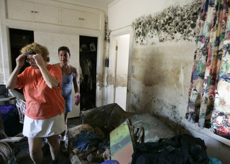 IMAGE: NEW ORLEANS HOME WITH MOLD