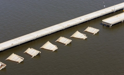 IMAGE: I-10 span over Lake Pontchartrain
